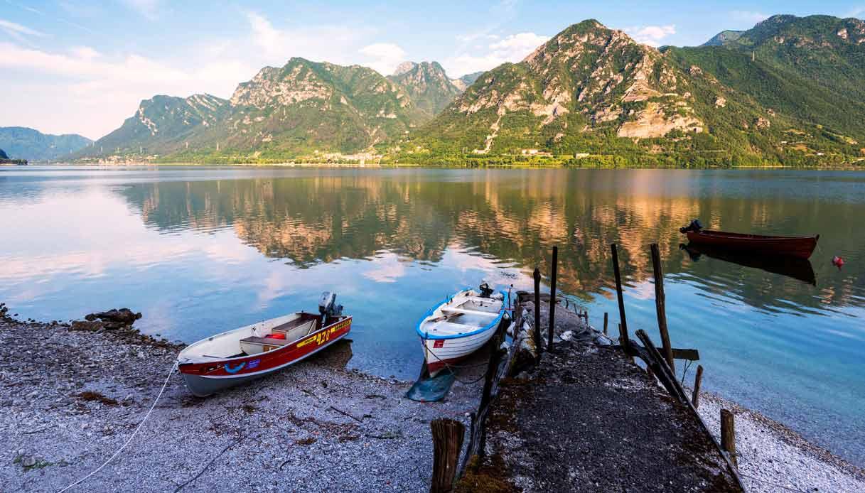 Lago-d'Idro-panorama-barche