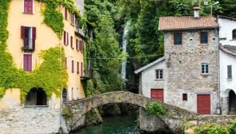 Nesso: lo stupendo borgo sul Lago di Como con la cascata al centro del paese