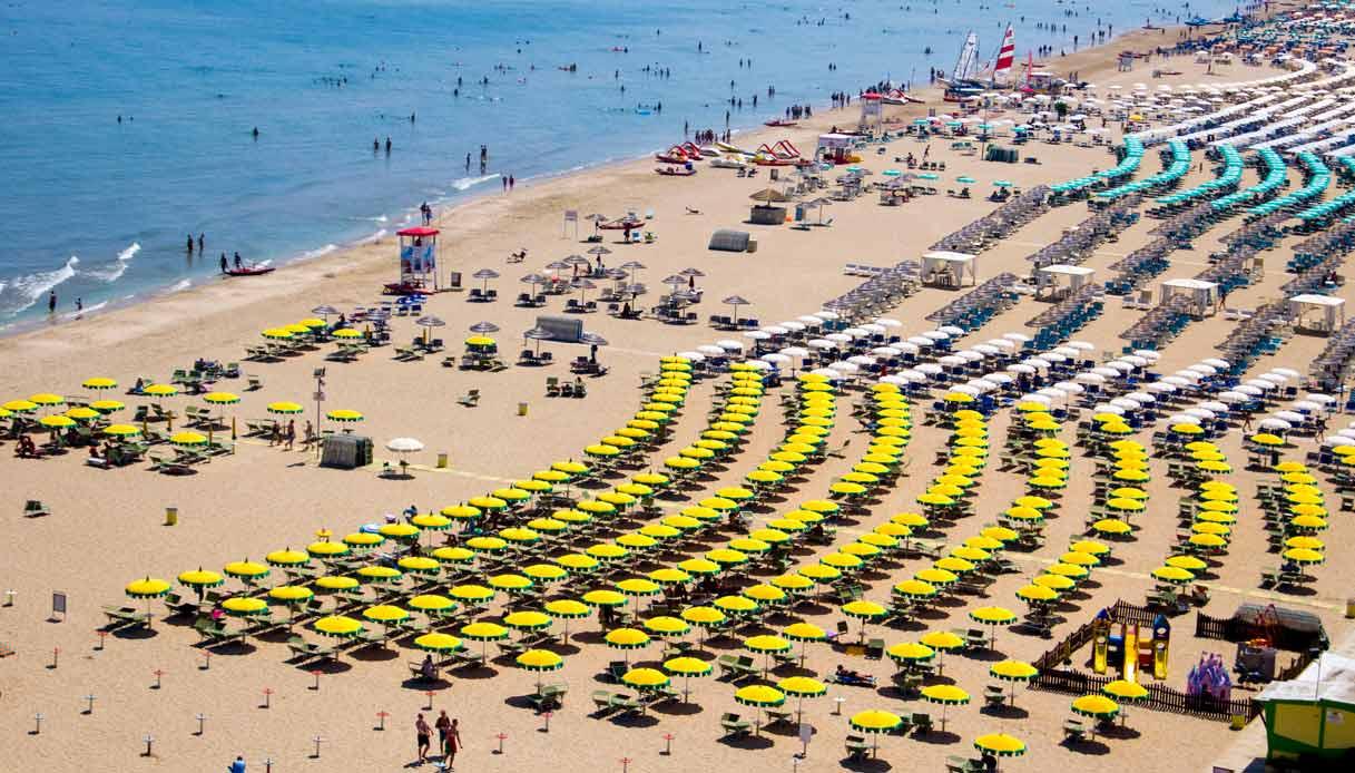 spiaggia-sotto-il-sole-riccione