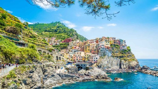 Vacanze slow e zaino in spalla: i cammini più suggestivi d'Italia