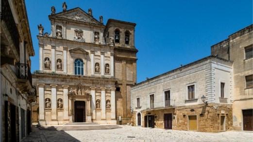 Visitare il centro e il castello di Mesagne