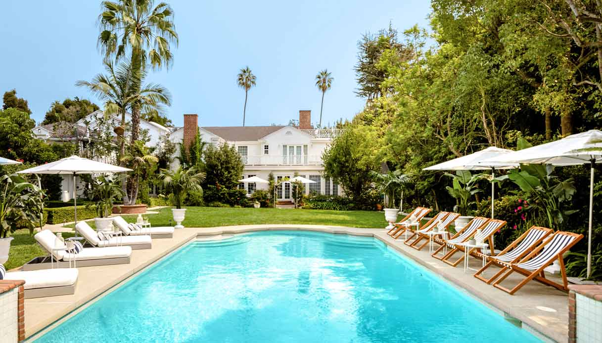 villa-will-smith_Airbnb_piscina
