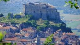 In Campania, un tour castello dopo castello