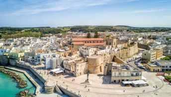 Il Castello Aragonese a Otranto, splendida roccaforte sul mare