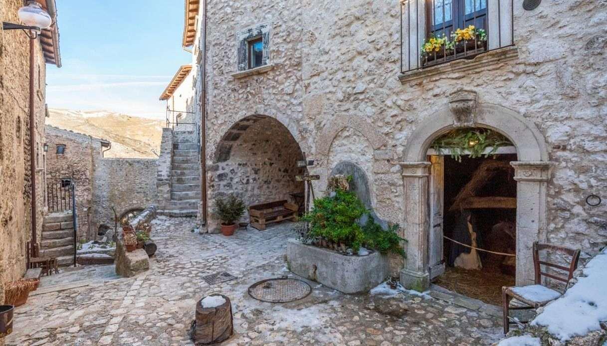 Santo Stefano di Sessanio borgo regala case giovani