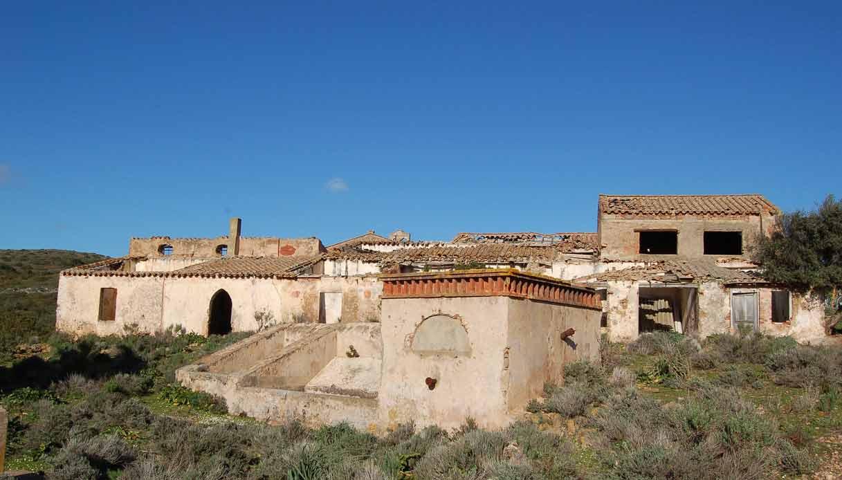 asproni-sardegna-villaggio-abbandonato