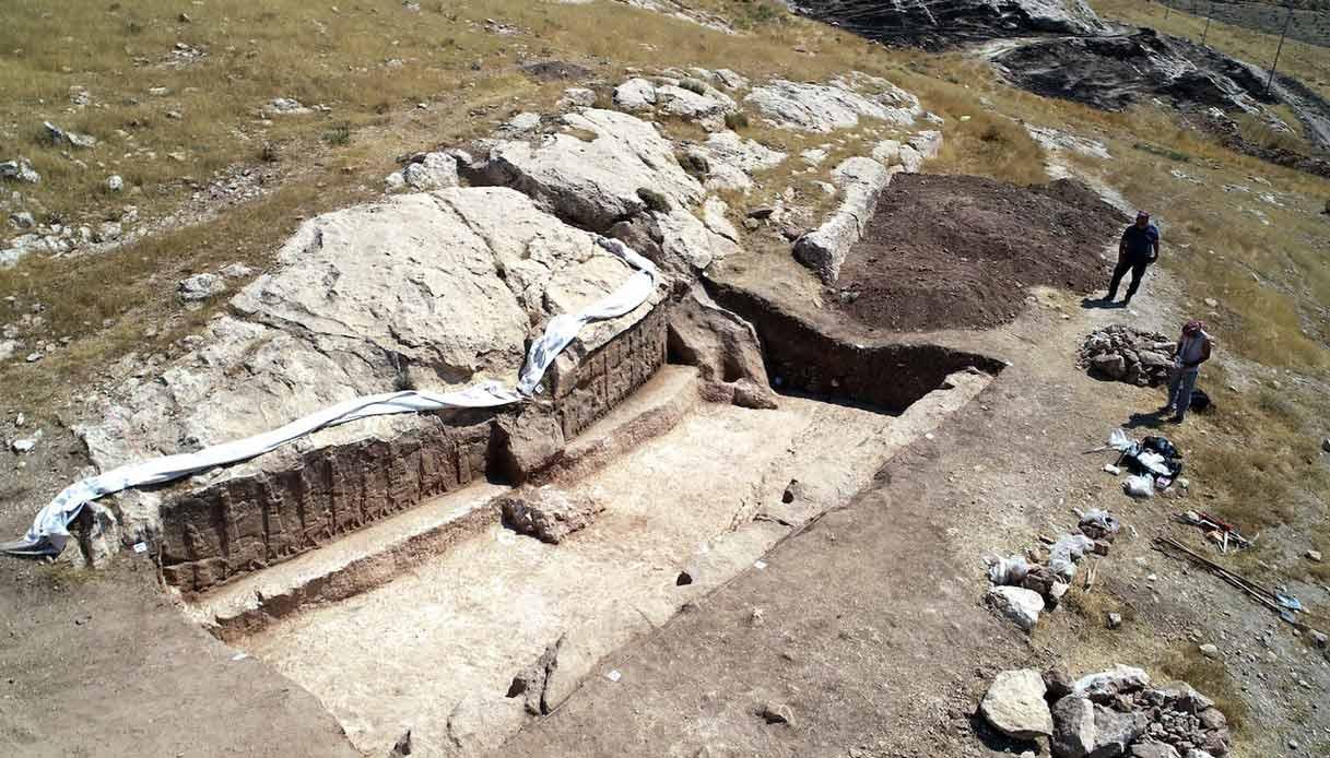 rilievi-rupestri-assiri-Kurdistan