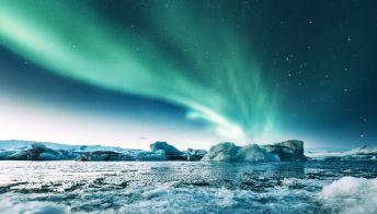 Al Circolo Polare Artico l'aurora boreale dà spettacolo