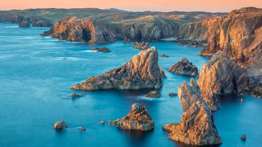 10 luoghi della Scozia dove la terra abbraccia il mare