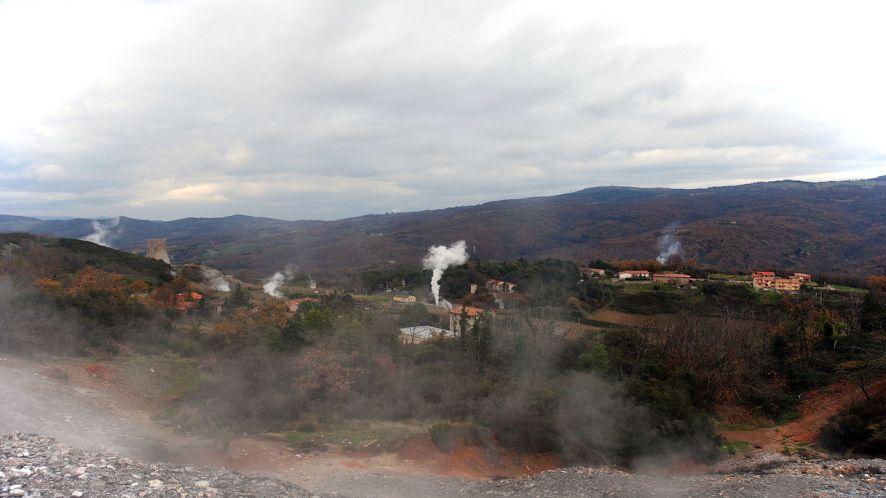 A Sasso Pisano, dove ci sono i geyser d'Italia
