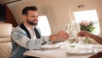 La pazza idea di Eva Air: lo speed dating a bordo