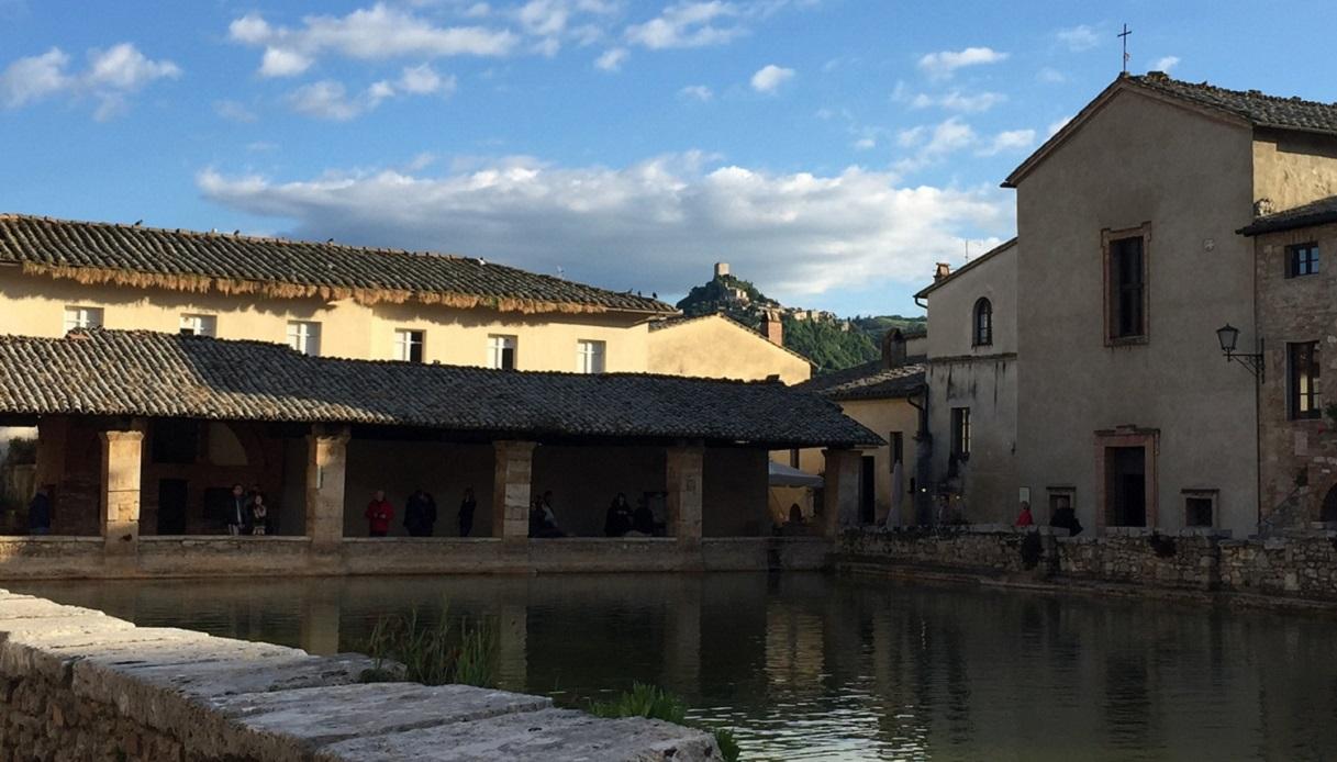 piazza delle sorgenti bagno vignoni