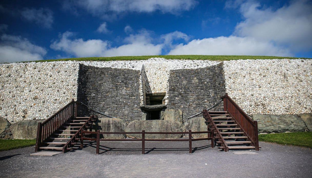 L'ingresso di Newgrange, dove si svolge la magia del solstizio d'inverno
