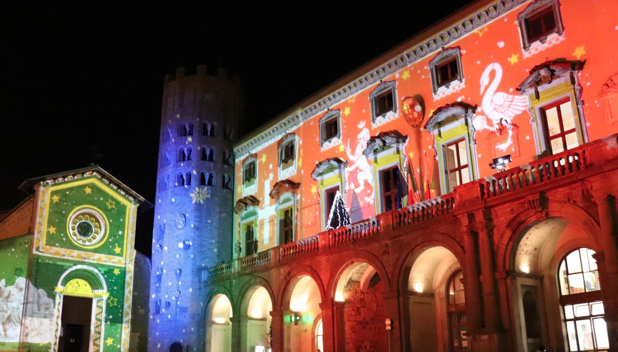 Il Natale a Orvieto è un gioco di luci e colori sui palazzi della città