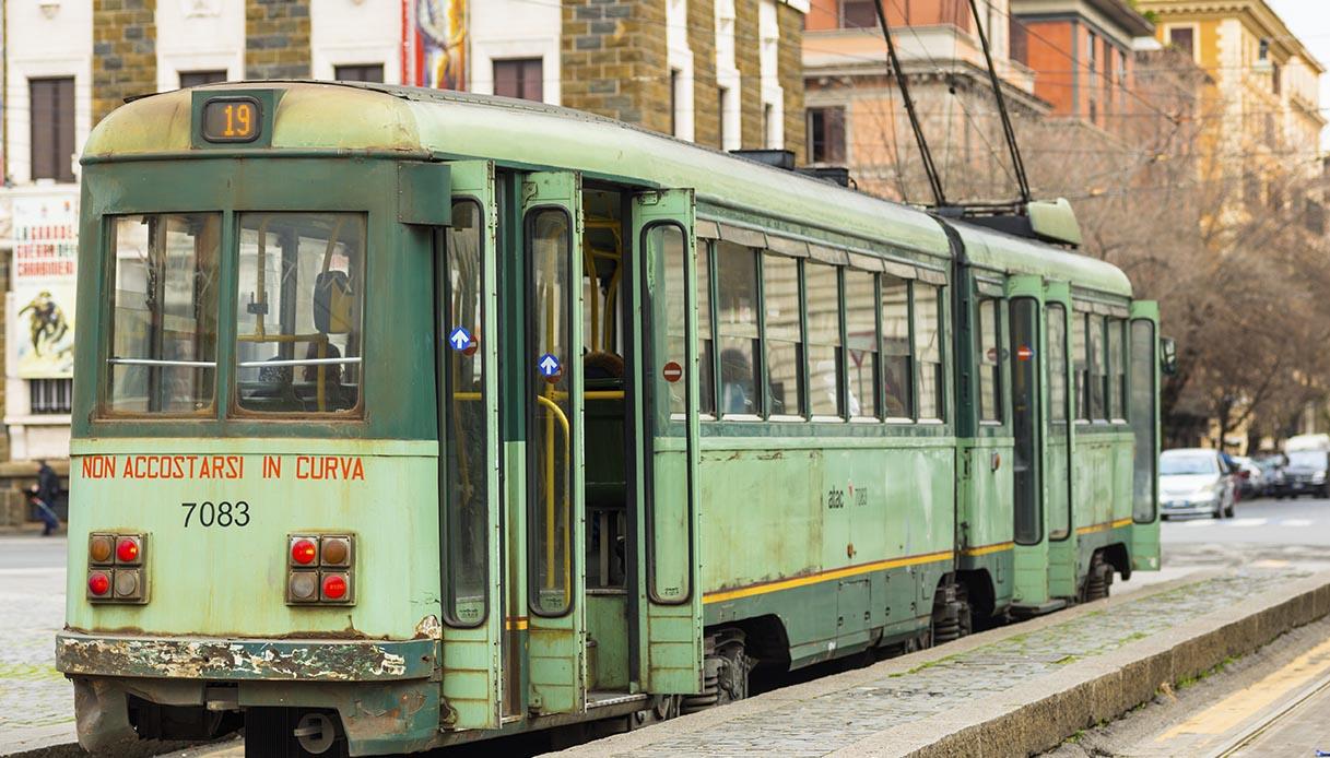 Tram 19, itinerario a bordo