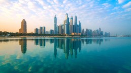 Vacanze di lusso negli Emirati Arabi con vaccino anti Covid-19