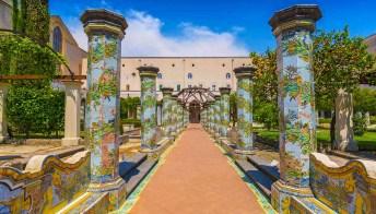 Santa Chiara: la storia del Chiostro più straordinario d'Italia