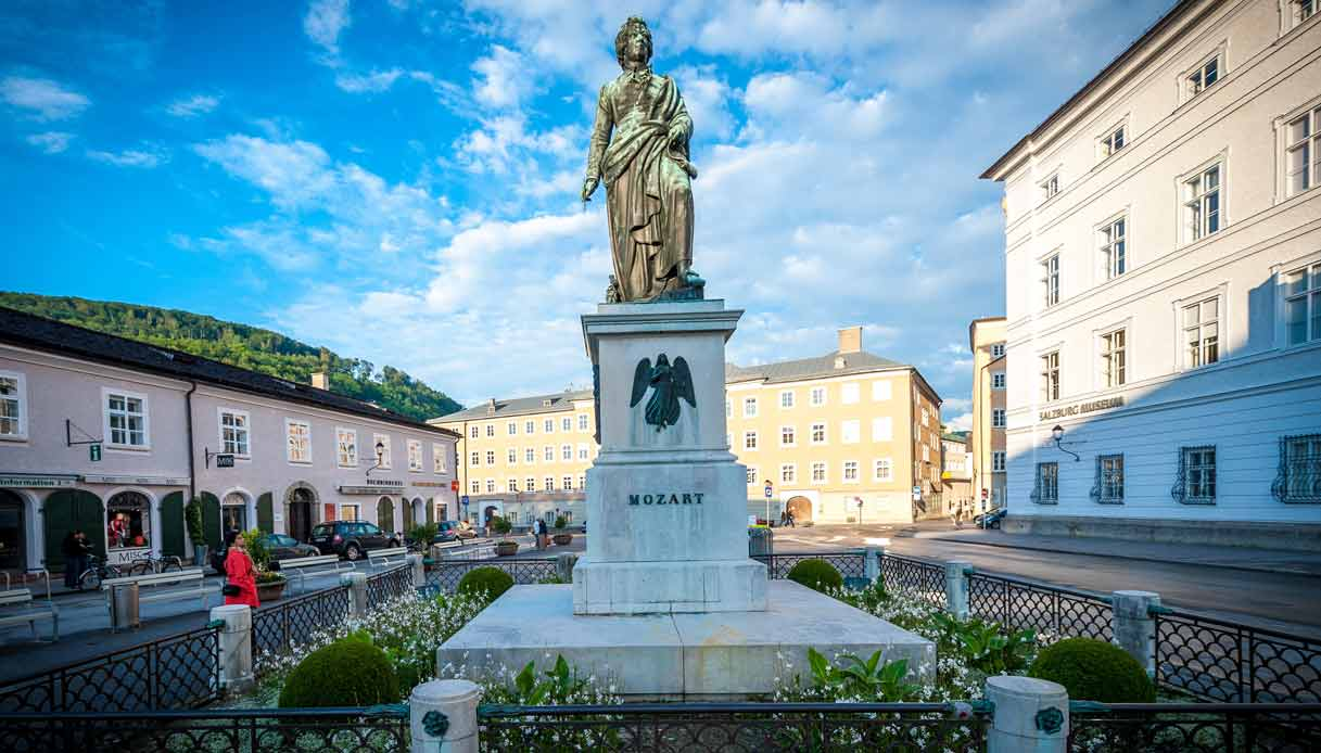 salisburgo-statua-mozart-Mozartplatz