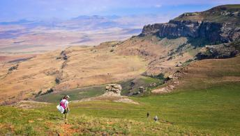 Dalla Russia al Sudafrica: il cammino più lungo del mondo