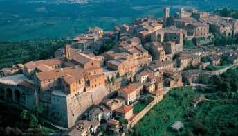 Montepulciano, il borgo dell'amore: gli itinerari più romantici