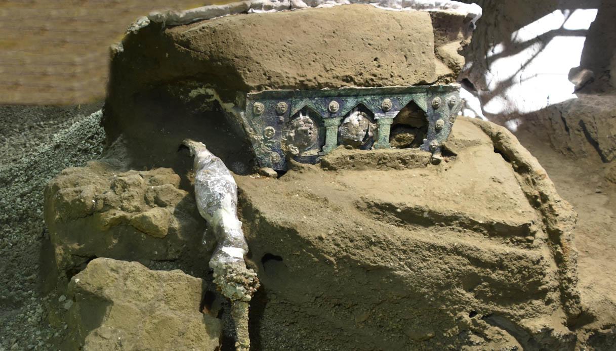 Pompei scoperto carro matrimonio unico
