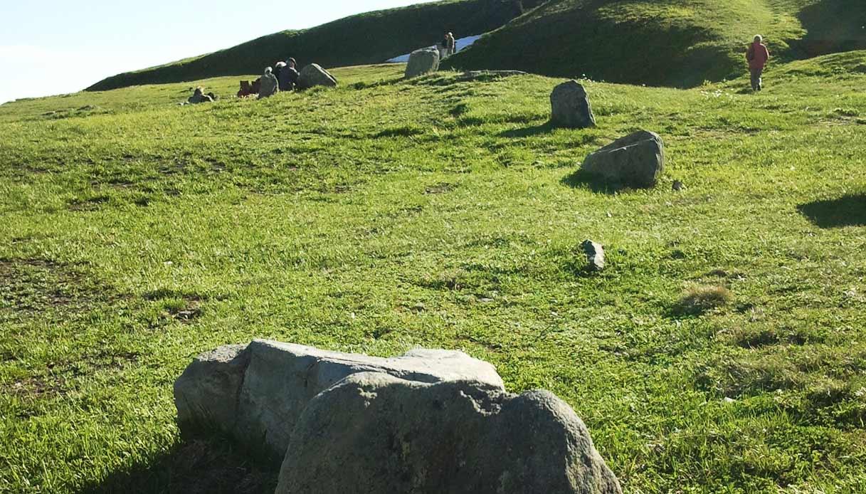 menhir-del-cromlech_Colle-del-Piccolo-San-Bernardo_la-thuile-valle-d'aosta