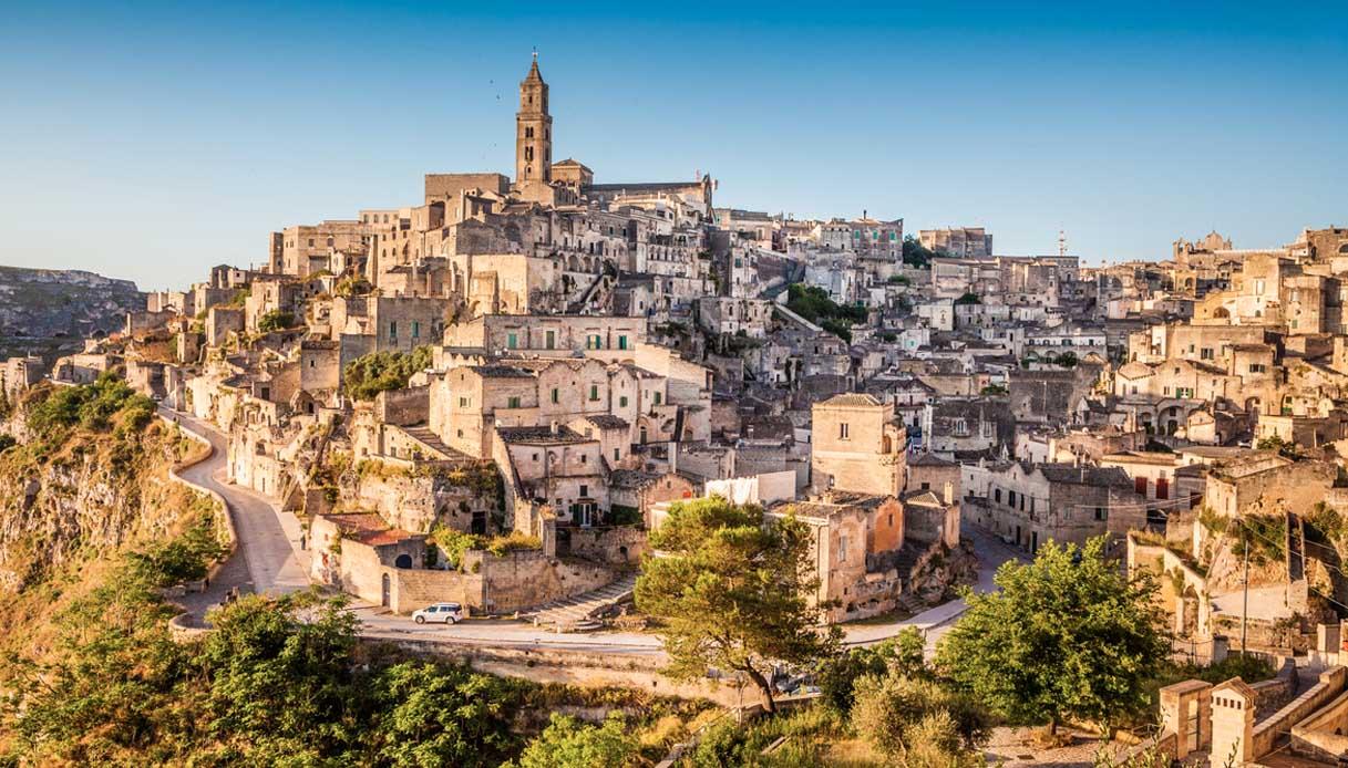Turismo sostenibile arte tradizione ripartenza Italia