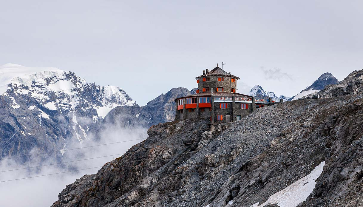Tibet Hut, l'hotel tibetano nel cuore delle Alpi