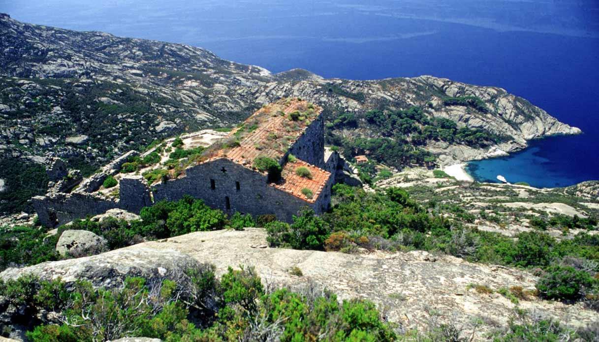 isola-montecristo-escursioni-primavera