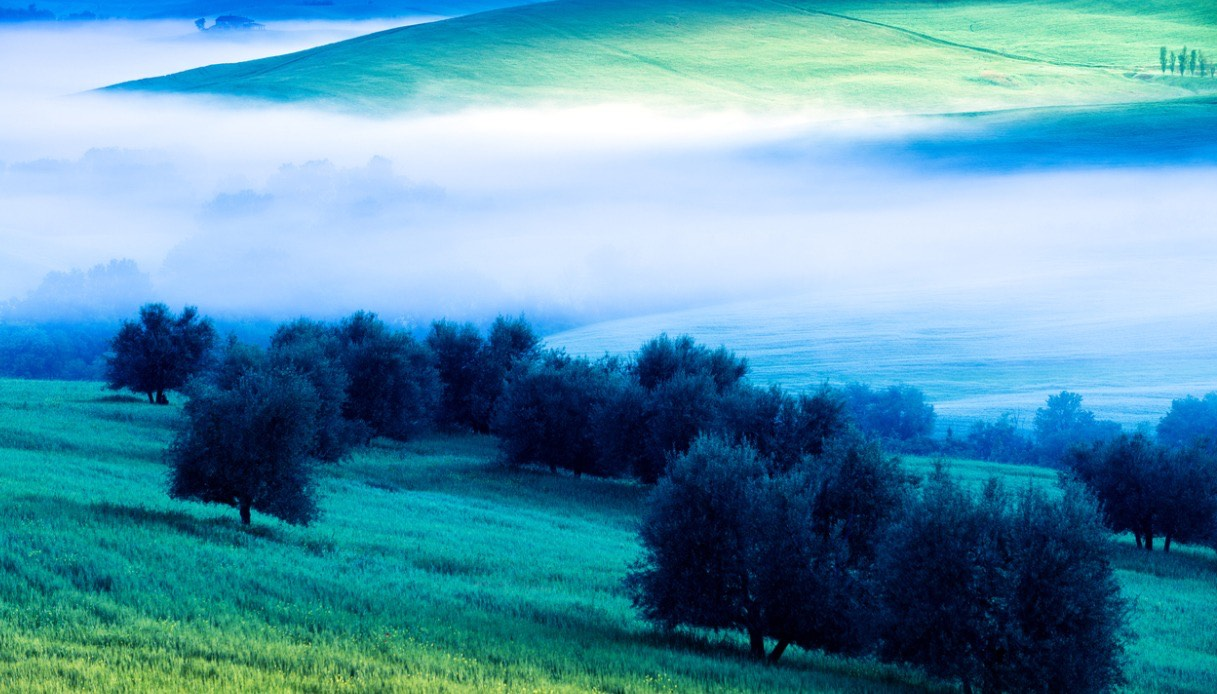 val d'orcia nebbia