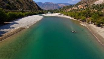L'ultimo fiume selvaggio d'Europa è in pericolo. L'appello internazionale per salvarlo
