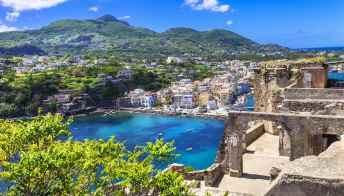Anche la Campania si prepara a lanciare le isole Covid-free
