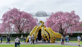 La natura cosmica di Yayoi Kusama invade il giardino botanico di New York