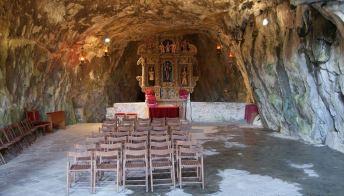 Attila, Vida e la grotta: San Giovanni d'Antro