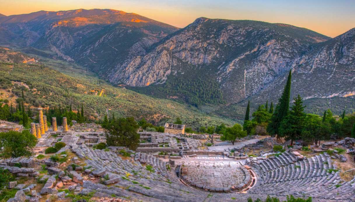 Delfi e il monte Parnaso
