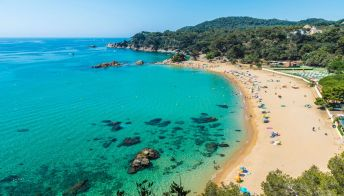 Riapre al turismo la Catalogna: le regole da seguire
