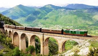 Parte il treno storico sui luoghi di Dante: l'itinerario