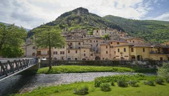 Scheggino, il suggestivo borgo medievale trasformato in albergo diffuso