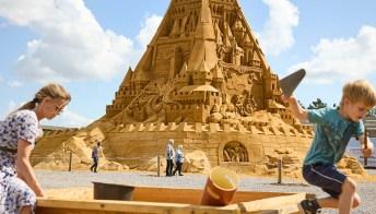 È il castello di sabbia più grande del mondo e si trova dove non te lo aspetti