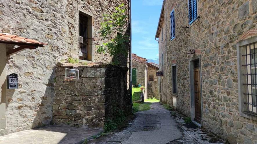 In Toscana, il trekking dei cinque borghi