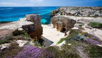 Le spiagge più belle delle isole Egadi, oasi turchesi