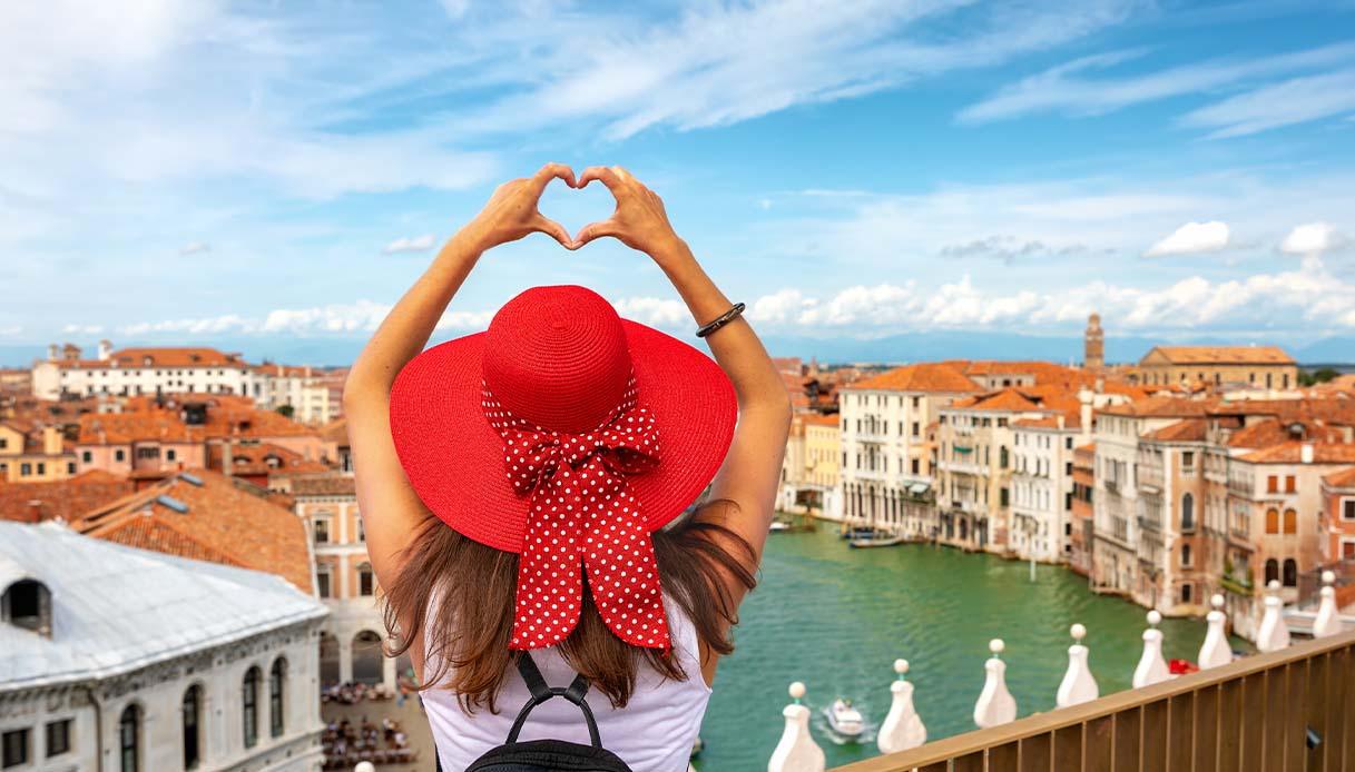 Ragazza turista a Venezia