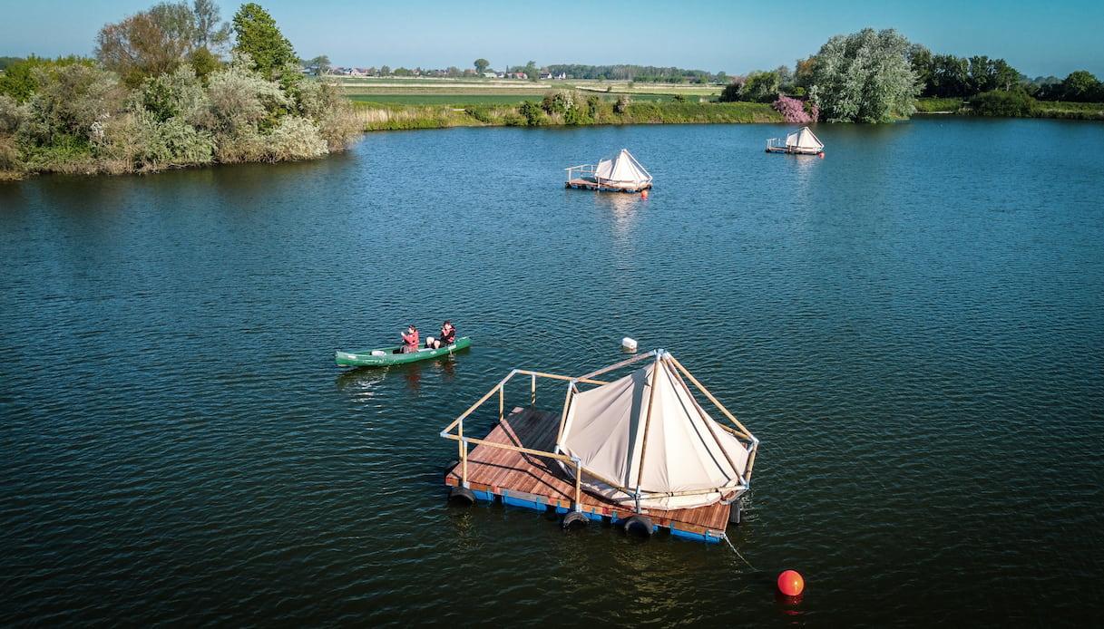 Campeggio nel lago