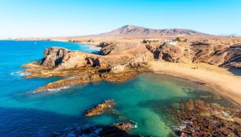 Viaggio alle Canarie: stop all'obbligo del Green Pass