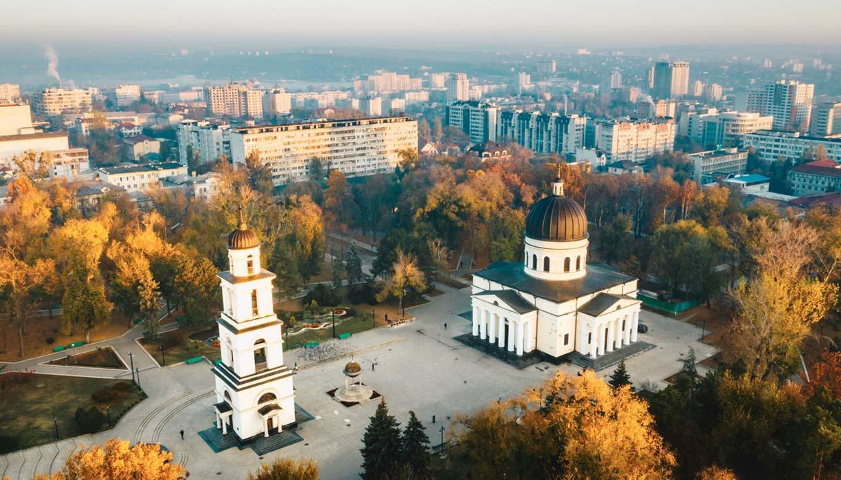 Chișinău Kishinev capitale moldava due lingue