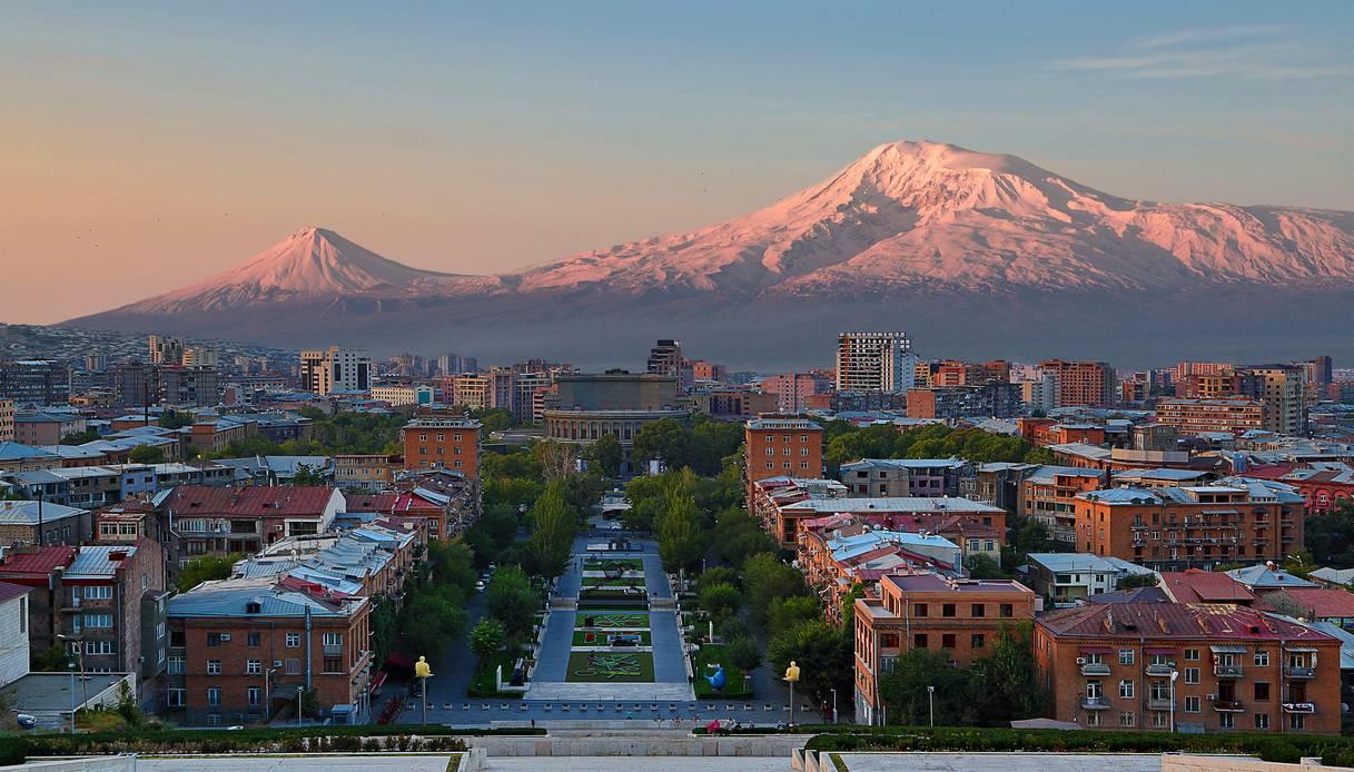Erevan città rosa