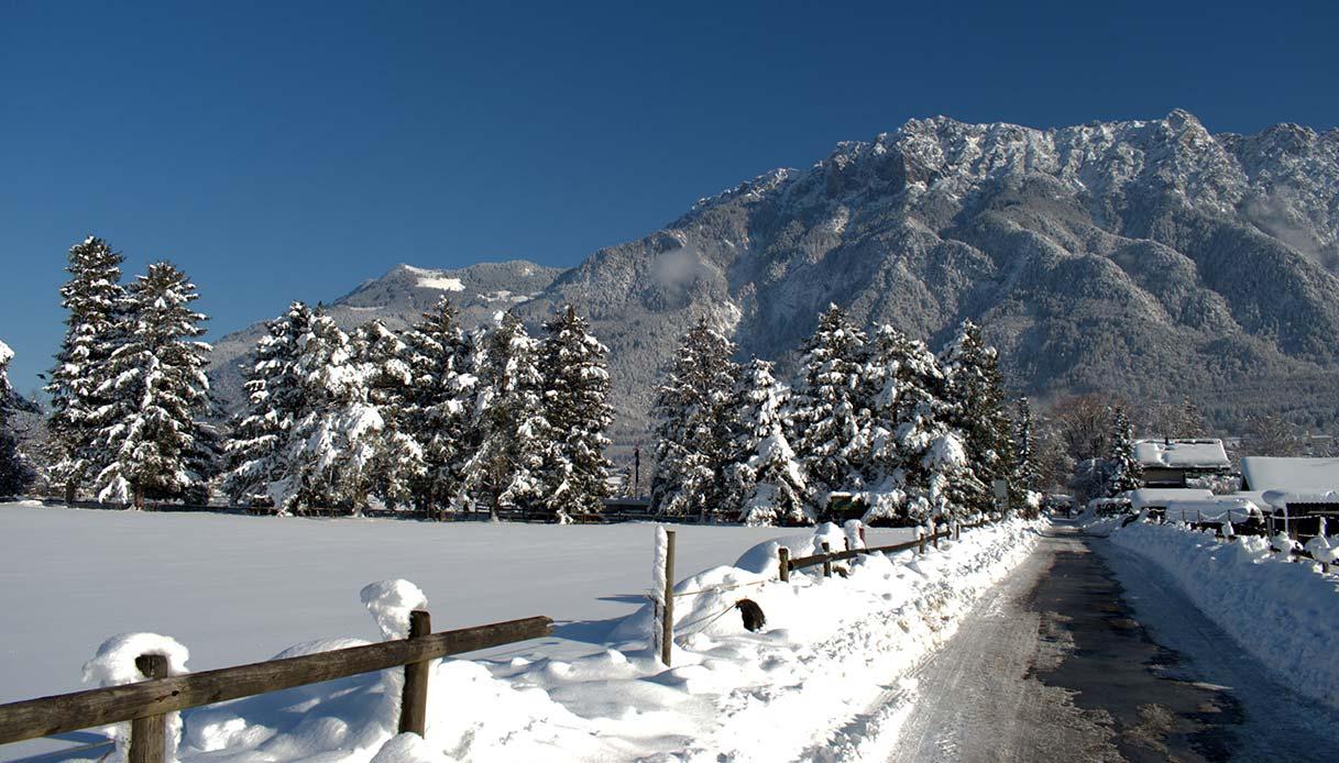 Lo scenario invernale delle Alpi a Schaan
