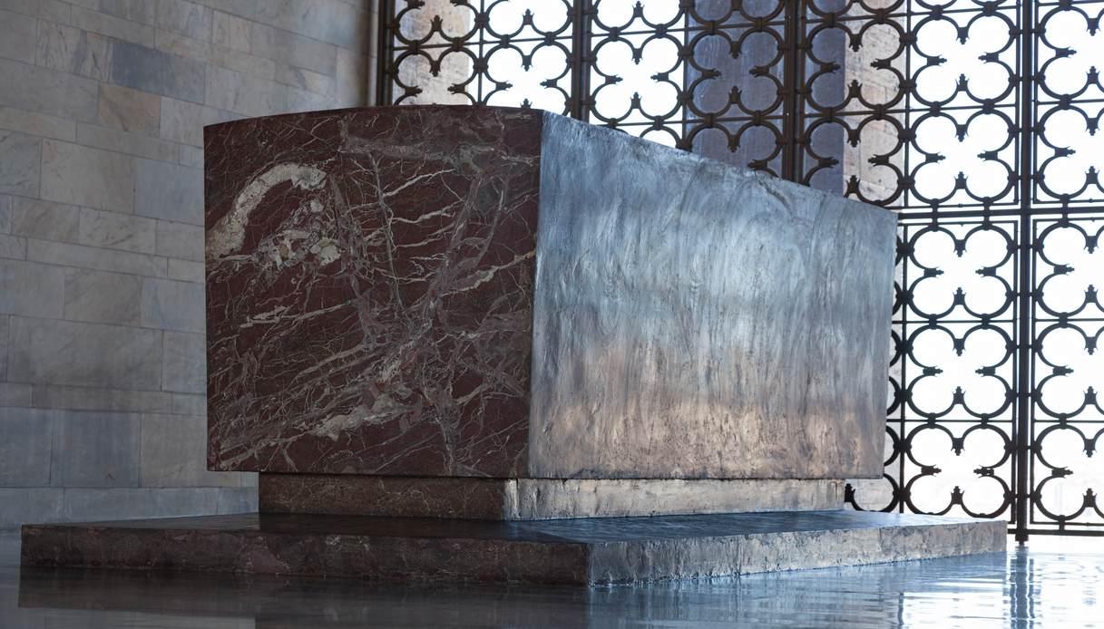 Tomba Atatürk