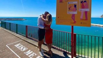 Il luogo più romantico d'Italia è una terrazza sul mare dove baciarsi