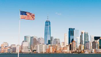 Gli Usa allentano le restrizioni di viaggio per i viaggiatori Ue